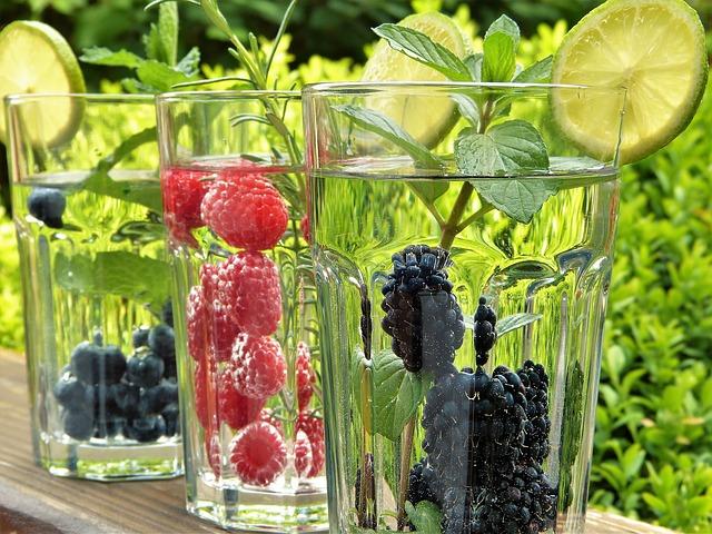 voda a ovoce