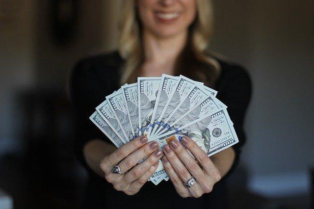 přitažlivé peníze